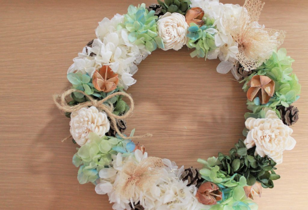 wreath-whitegreen