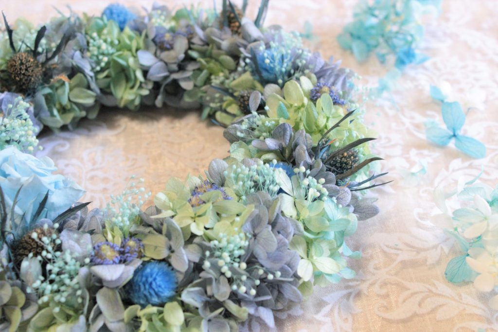 blue-wreath